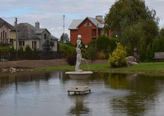 Fontanai ir kriokliai, lauko skulptūros