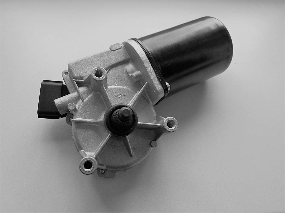 Priekinių valytuvų varikliukas Nissan Almera Tino 28815-BU000