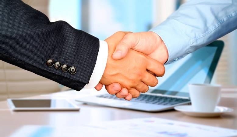 Įmonių steigimas-pardavimas