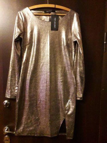 Auksinė suknelė