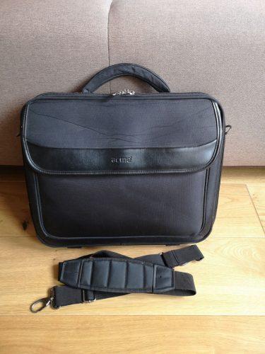 Parduodamas nešiojamo kompiuterio krepšys