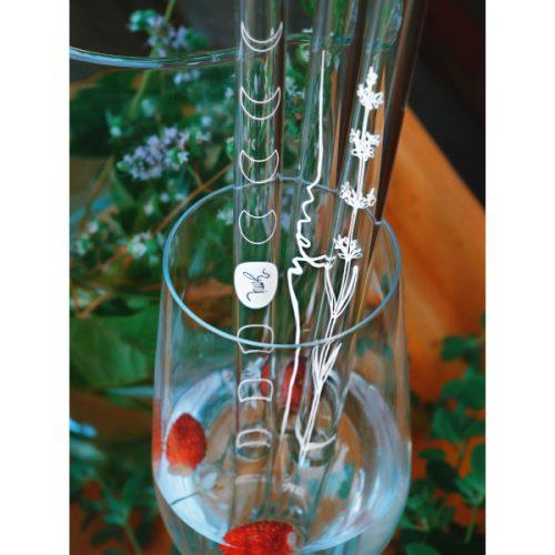 Unikalaus dizaino stikliniai šiaudeliai pagaminti
